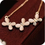 Code Yellow Women's Elegant Butterflies Peach Necklace