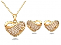 Austrian Crystal Studded Gold Plated Hearts Pendant Set