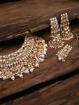 Zaveri Pearls Gold-Toned Traditional Kundan Jewellery Set
